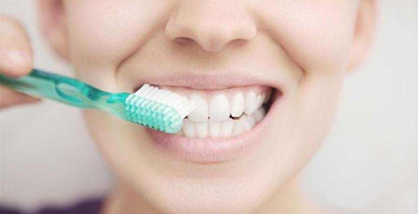 Visitar al dentista te enseña a cepillarte correctamente