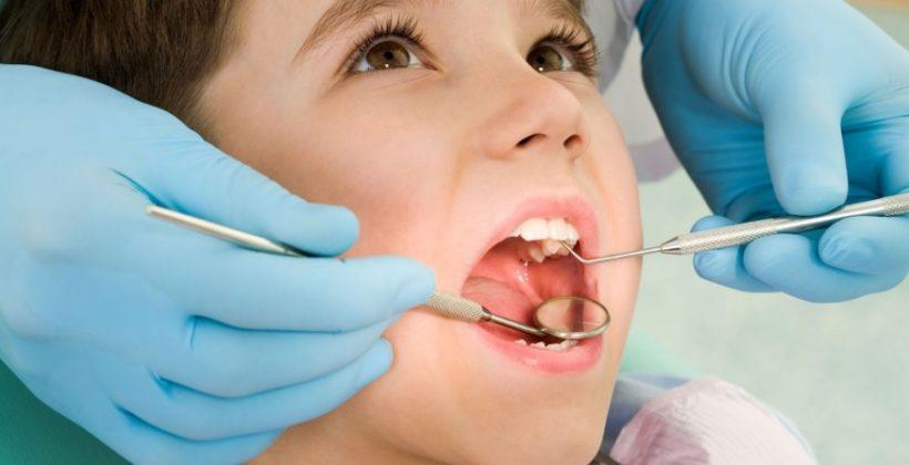 Como ayudar a tu hijo a perder el miedo al dentista
